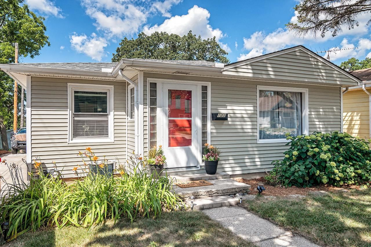 122 S Washington Ave, Waukesha, WI 53188 - MLS#: 1703293