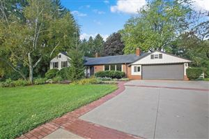 Photo of 1525 Highland Dr, Elm Grove, WI 53122 (MLS # 1658294)