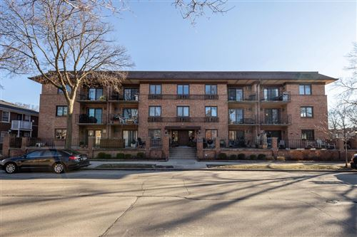 Photo of 303 E Henry Clay St #204, Whitefish Bay, WI 53217 (MLS # 1730295)