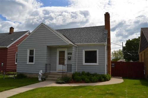Photo of 1907 17th Ave, South Milwaukee, WI 53172 (MLS # 1691299)
