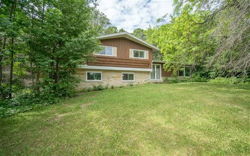 Photo of N77W22189 Wooded Hills Dr, Lisbon, WI 53089 (MLS # 1745299)