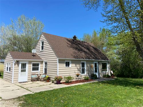 Photo of 12014 6 1/2 Mile Rd, Caledonia, WI 53108 (MLS # 1743301)