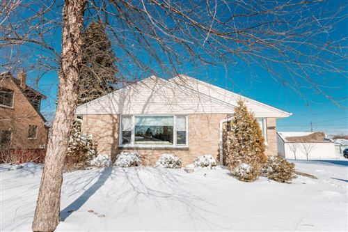 Photo of 632 Elm Ave, South Milwaukee, WI 53172 (MLS # 1725306)