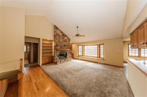 Photo of 434 Woodside Dr, Cedarburg, WI 53012 (MLS # 1733306)