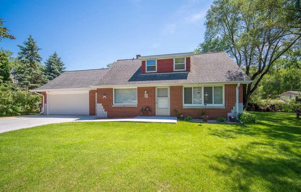 1925 Mapledale Rd, West Bend, WI 53090 - MLS#: 1691307