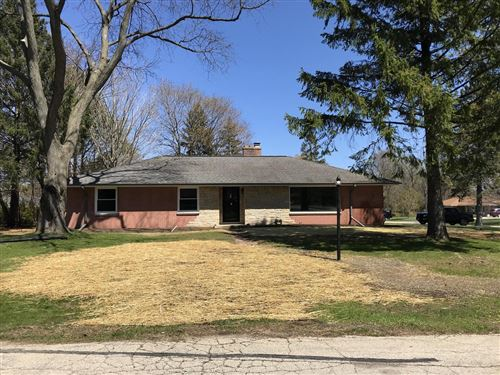 Photo of 200 Madero Dr, Thiensville, WI 53092 (MLS # 1688309)