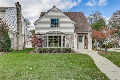 Photo of 2577 N 89th St, Wauwatosa, WI 53226 (MLS # 1717312)