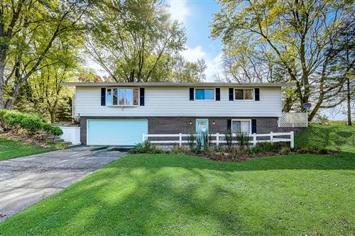 Photo of W6593 Willow Bend Rd, Walworth, WI 53184 (MLS # 1672321)