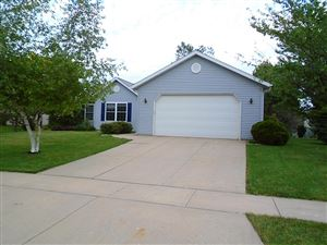 Photo of 612 Arrowhead Dr, Twin Lakes, WI 53181 (MLS # 1644325)