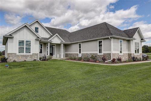 Photo of N6050 Red Wing Ln, Elkhorn, WI 53121 (MLS # 1670325)