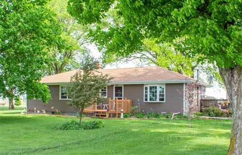 Photo of W6328 State Line Rd, Walworth, WI 53184 (MLS # 1684328)