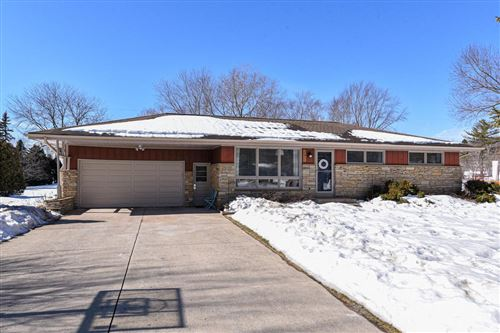 Photo of 1315 Tower Hill Dr, Brookfield, WI 53045 (MLS # 1729328)