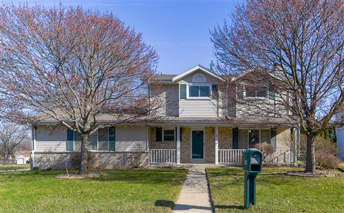 Photo of 418 Lakeview Rd, South Milwaukee, WI 53172 (MLS # 1733328)