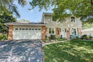 Photo of 6110 Thorncrest DR, Greendale, WI 53129 (MLS # 1646330)