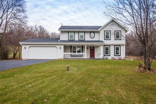 Photo of N2W31526 Scuppernong Valley, Delafield, WI 53018 (MLS # 1670330)
