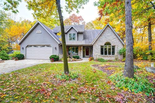 Photo of 27012 Sherwood Forest Dr, Waterford, WI 53185 (MLS # 1714330)