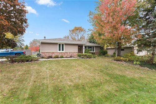 Photo of 5622 Carriage Hills Dr, Mount Pleasant, WI 53406 (MLS # 1714333)
