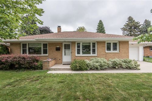 Photo of 1014 5th Ave, Grafton, WI 53024 (MLS # 1751333)