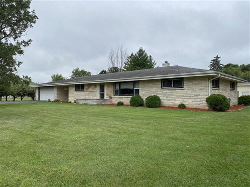 Photo of W239N5418 Maple Ave, Lisbon, WI 53089 (MLS # 1702334)