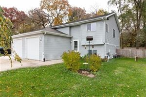 Photo of 609 Gatewood Dr, Twin Lakes, WI 53181 (MLS # 1666339)