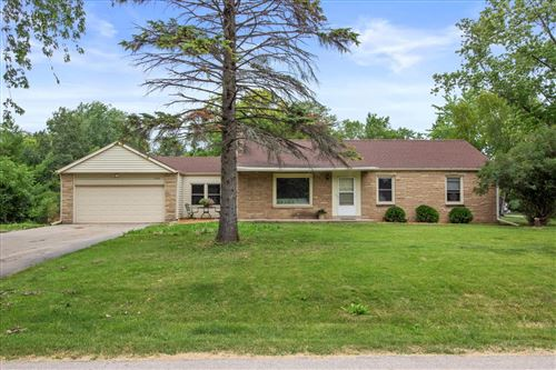 Photo of 14206 W Gatewood Dr, New Berlin, WI 53151 (MLS # 1750342)