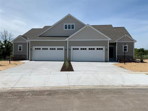 Photo of 7961 W Park Circle Way South, Franklin, WI 53132 (MLS # 1683343)