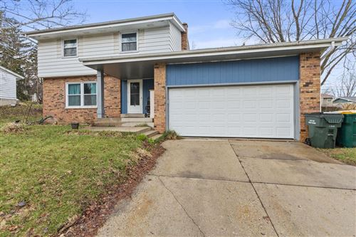 Photo of 224 W Paradise Dr, West Bend, WI 53095 (MLS # 1684345)
