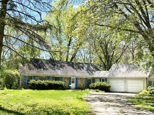Photo of 1005 Lone Tree Rd, Elm Grove, WI 53122 (MLS # 1725348)