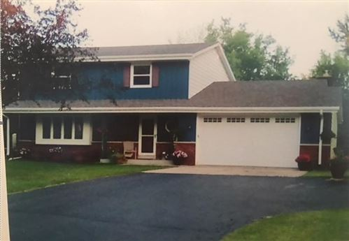 Photo of 11945 W SOMERSET DR, Franklin, WI 53132 (MLS # 1683350)