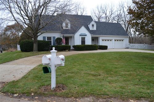 Photo of 1229 E Colonial Dr, Mount Pleasant, WI 53405 (MLS # 1669352)