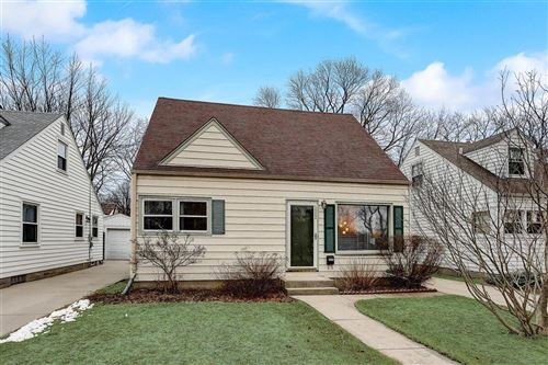 Photo of 5952 N Lydell Ave, Whitefish Bay, WI 53217 (MLS # 1730352)