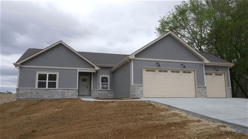 Photo of 824 Evergreen Dr, Brownsville, WI 53006 (MLS # 1725357)