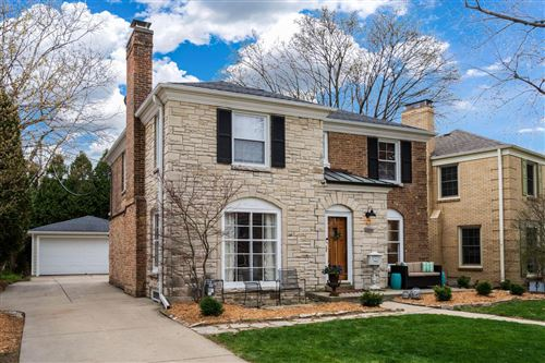 Photo of 1231 E Courtland Pl, Whitefish Bay, WI 53211 (MLS # 1733359)