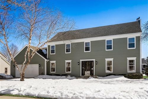 Photo of W69N422 Fox Pointe Ave, Cedarburg, WI 53012 (MLS # 1728361)