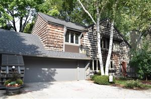 Photo of 94 Woodfield Ct, Wind Point, WI 53402 (MLS # 1660362)