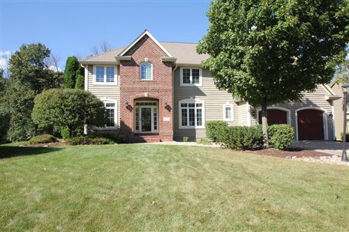 Photo of 13750 W Linfield Dr, New Berlin, WI 53151 (MLS # 1708364)