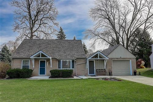 Photo of 900 Webster Ave, Brookfield, WI 53005 (MLS # 1719364)