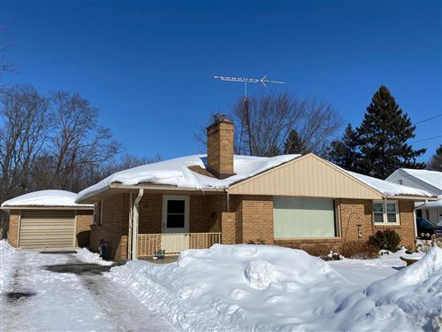 Photo of 230 W Page St, Elkhorn, WI 53121 (MLS # 1728364)
