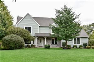 Photo of 10946 N Sherwood Dr, Mequon, WI 53092 (MLS # 1661369)