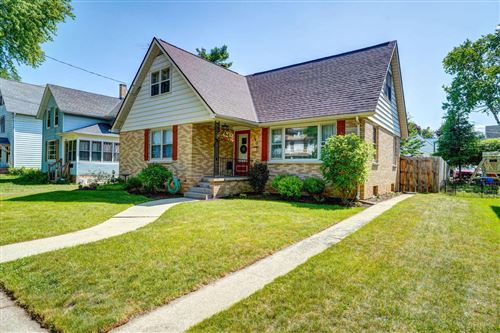Photo of 340 Edward St, Burlington, WI 53105 (MLS # 1694370)