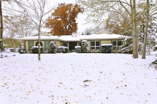 Photo of 4821 S 90th St, Greenfield, WI 53228 (MLS # 1666371)