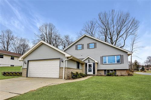 Photo of 1018 Mulberry Dr E, West Bend, WI 53090 (MLS # 1682372)