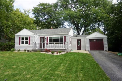 Photo of 1516 S 165th St, New Berlin, WI 53151 (MLS # 1710374)