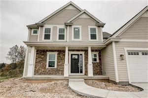 Photo of 8440 W Highlander Dr, Mequon, WI 53097 (MLS # 1661377)