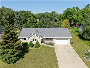 Photo of 522 Fox River Hills Dr, Waterford, WI 53185 (MLS # 1643378)