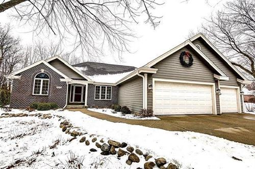 Photo of 4575 S Mary LN, New Berlin, WI 53151 (MLS # 1673378)