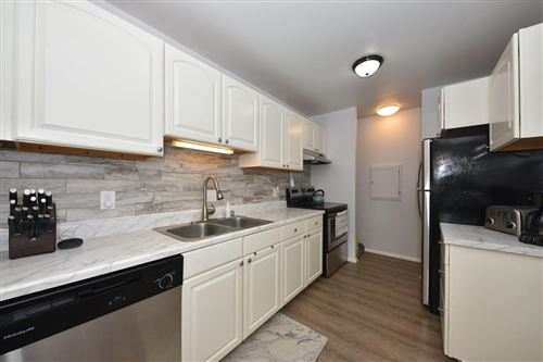 Photo of 425 W Willow Ct #142, Fox Point, WI 53217 (MLS # 1747379)