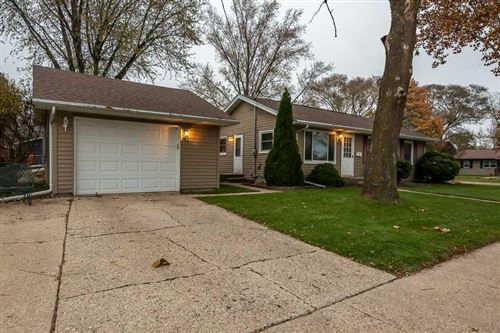 Photo of 2004 Mole Ave, Janesville, WI 53548 (MLS # 1872379)