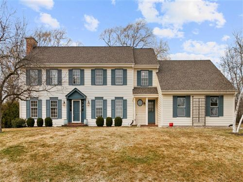 Photo of 4316 W River Willows Ct, Mequon, WI 53092 (MLS # 1732380)