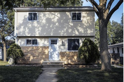 Photo of 4618 S 47th St, Greenfield, WI 53220 (MLS # 1750381)